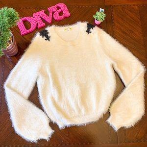 Gianni Bini Fuzzy white beaded sweater